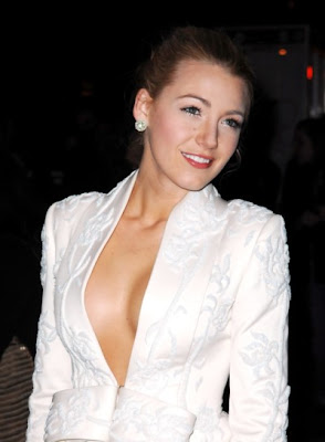 Blake Lively Looks Hot pics, Blake Lively Looks Hot photo, Blake Lively Looks Hot photos, Blake Lively Looks Hot picture, Blake Lively Looks Hot pictures
