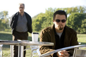 Russell Crowe y Leonardo DiCaprio en Red de mentiras
