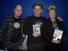 Con el poeta Juan Pomponio y la escritora Marga Mangione