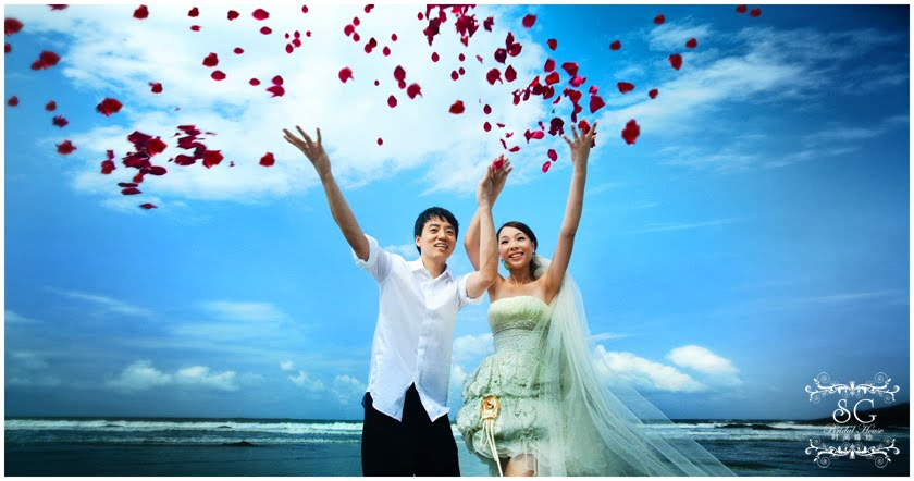Share your most important moment with us, let our Professional team to capture your cherish moment.