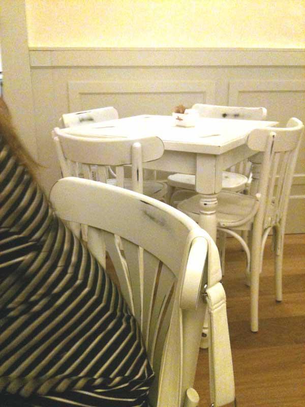 Omelette e baguette idee innovative per tempi che cambiano for Tavoli laccati bianchi