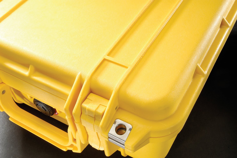 http://1.bp.blogspot.com/_CfmgPw9fp6E/S7vCvdiChUI/AAAAAAAAAAo/glyHVYdo_iA/s1600/Pelican-Cases-1430-Yellow-001.jpg