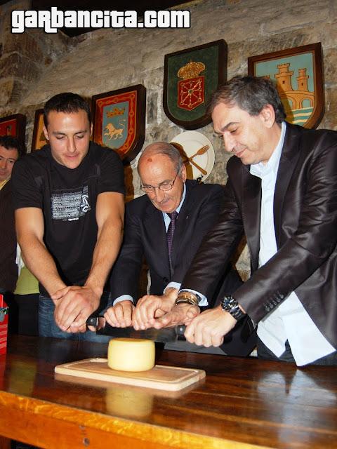 Corte del queso Idiazabal 2010