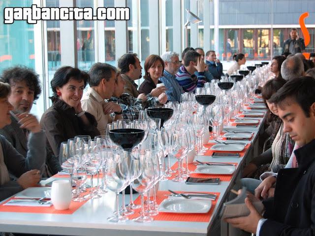 Asistentes a la cata maridaje con Josep Roca