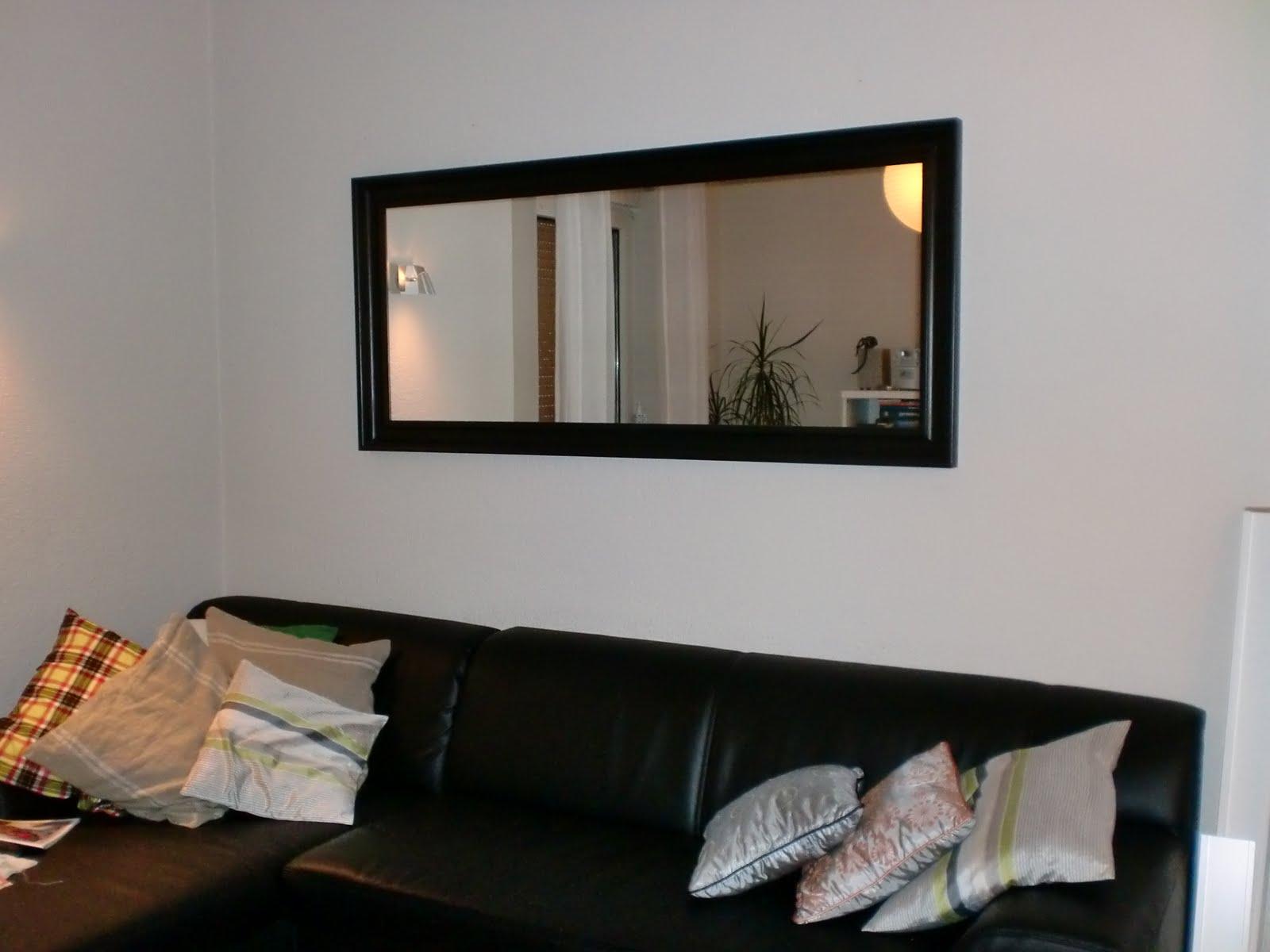 #9B6230 Casa Suess: Mais um pequeno detalhe na sala de estar. 1600x1200 píxeis em Decoração De Sala De Tv Com Espelhos