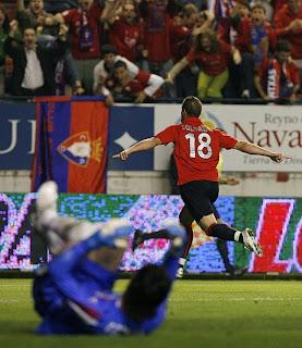 Soldado celebra el gol