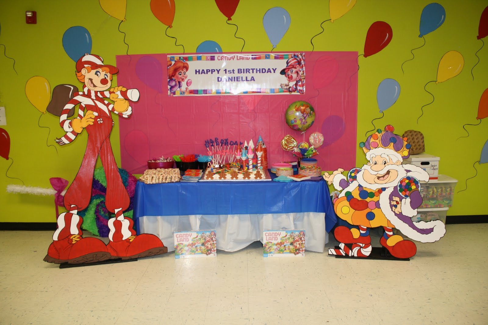 Hearts wild creations candy land birthday party for Candyland bedroom ideas