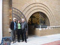 Tourists on Maiden Lane with Frank Lloyd Wright