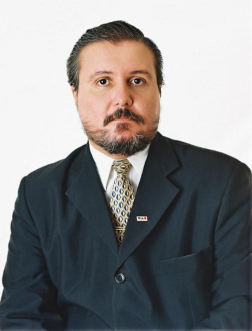 Dr. Carlos Henrique Alves Martinez