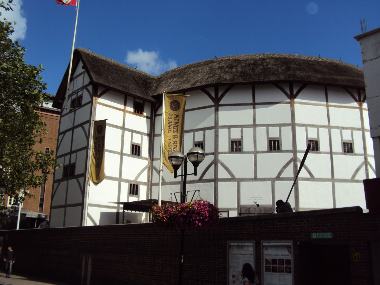 english globe theatre Explore the life of shakespeare in london with a guided tour of the theater for which he wrote discover the working globe theatre through an informative exhibition and a visit to the.