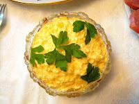 Салат сыр с чесноком