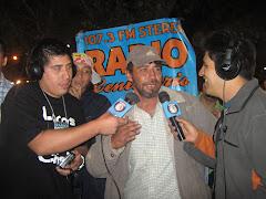 Entrevistando a uno de los participantes en la Cumbre Guachaca de Quilicura