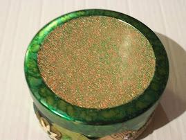 Green alcohol inked tin