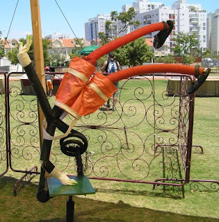 upsidedown sculpture