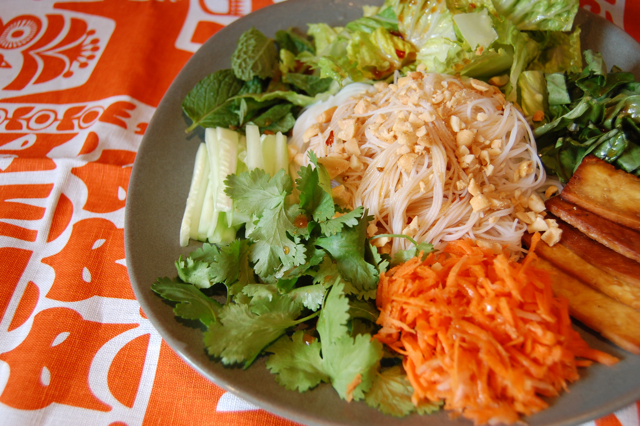 ... Spice: Spice in the Kitchen: Vietnamese Rice Noodle Salad (Bún Chay