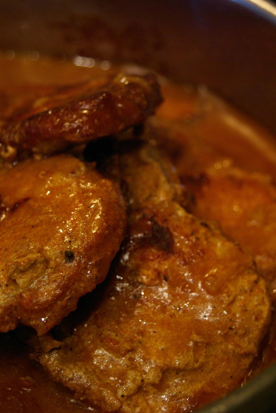 saraplicious kitchen smothered pork chops