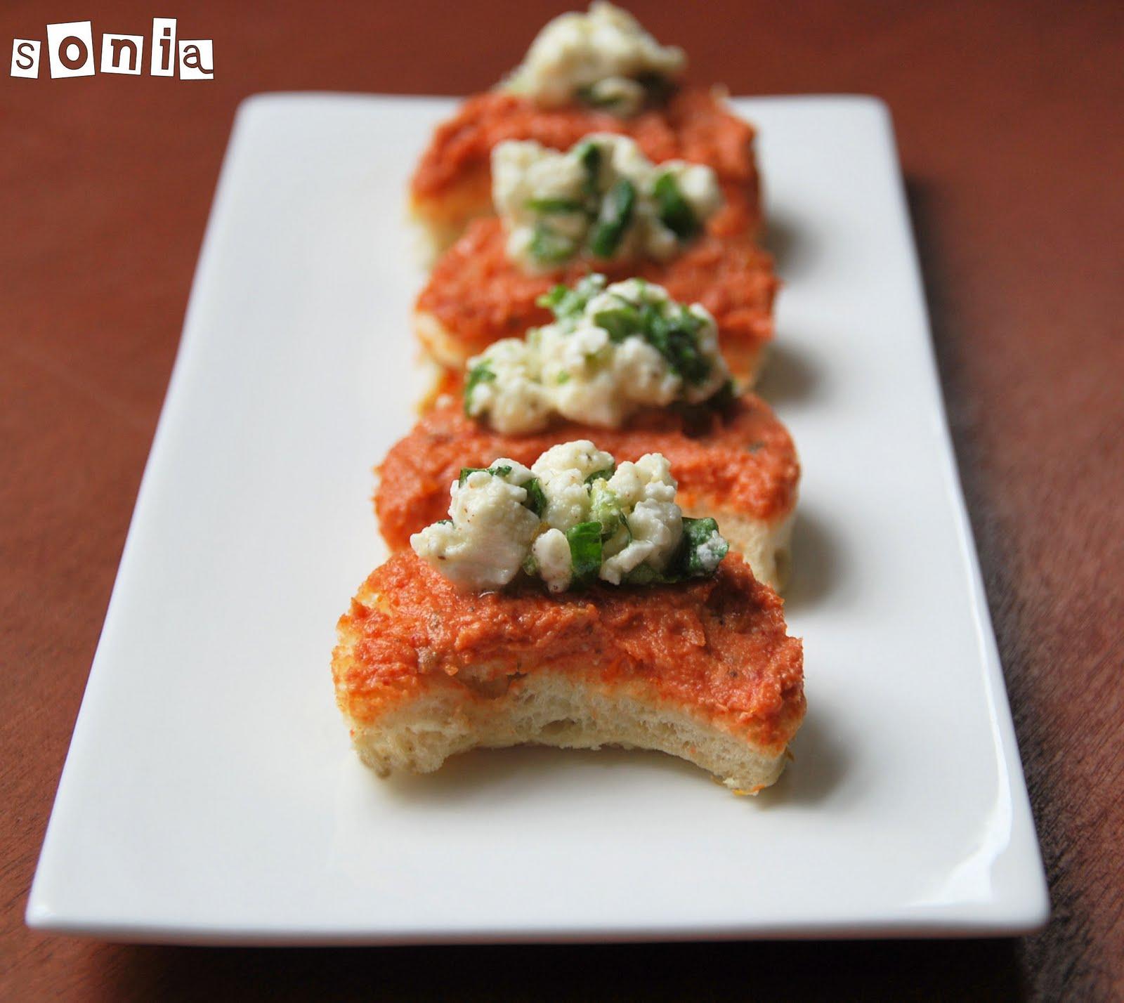 Canap s de tomates secos y queso de cabra marinado l for Canape queso de cabra