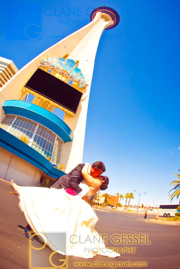 las vegas wedding photography, stratosphere wedding pictures, top vegas weddings