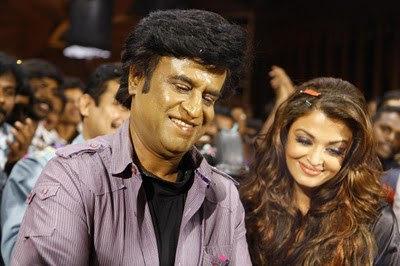 Endhiran-Movie-Party-Photos-Aishwarya-and-Rajnikant-1