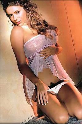 Alyssa Milano was born in New York City, the daughter of Italian-American ...