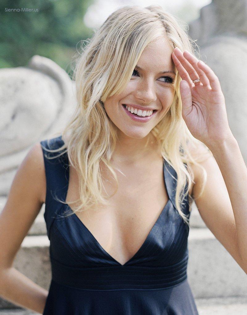 Hot And Romantic Actress Sienna Miller Hot Photos