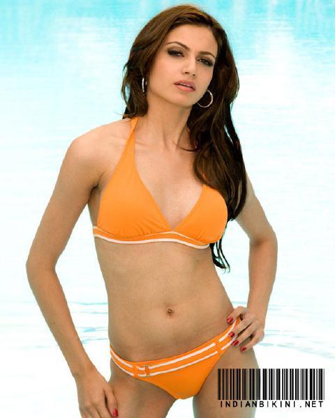 Simran Kaur Mundi. Miss Universe