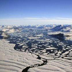 El suelo congelado del Ártico libera tanto metano como todos los océanos