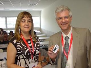 María José Camarasa, del Instituto de Química Médica (CSIC) y Juan Ignacio Esteban, del Hospital Vall D' Ebron de Barcelona / DICYT