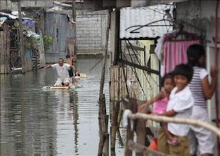 Filipinas sigue en alerta ante la llegada del tercer tifón en un mes. EFE