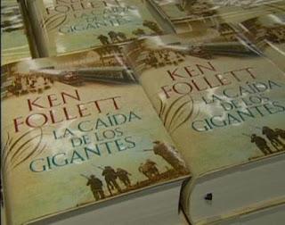 ¿Por qué el e-book del último libro de Ken Follet es más caro que en papel? EP