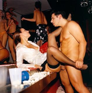 Videos Porno Hombres Desnudos Ante Mujeres Vestidas