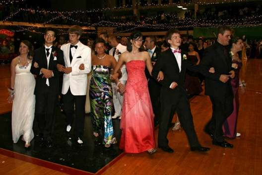 Adventures In Hoosierland Prom Dresses Gone Wrong Jeff Hs Edition