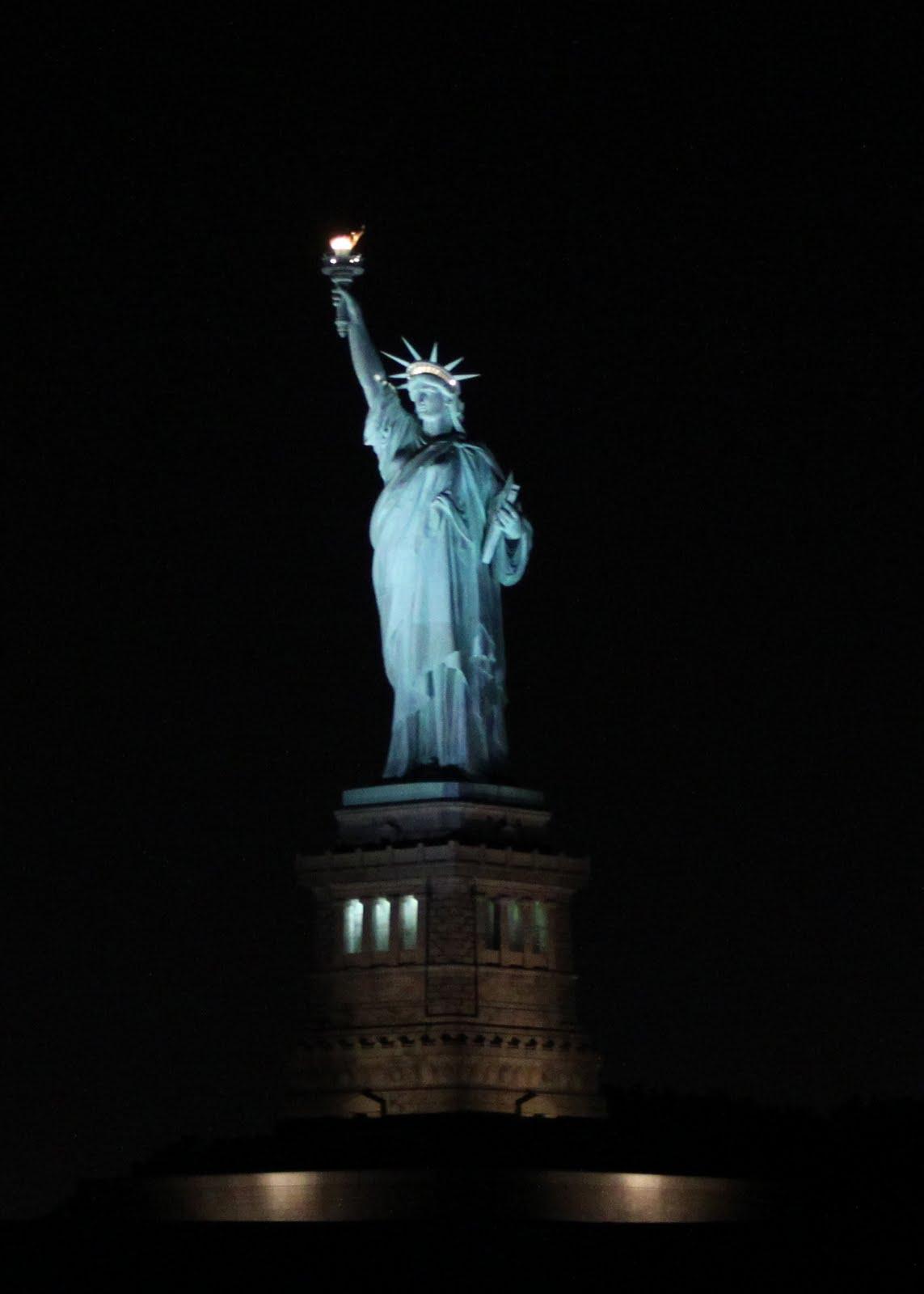statue of liberty night - photo #33