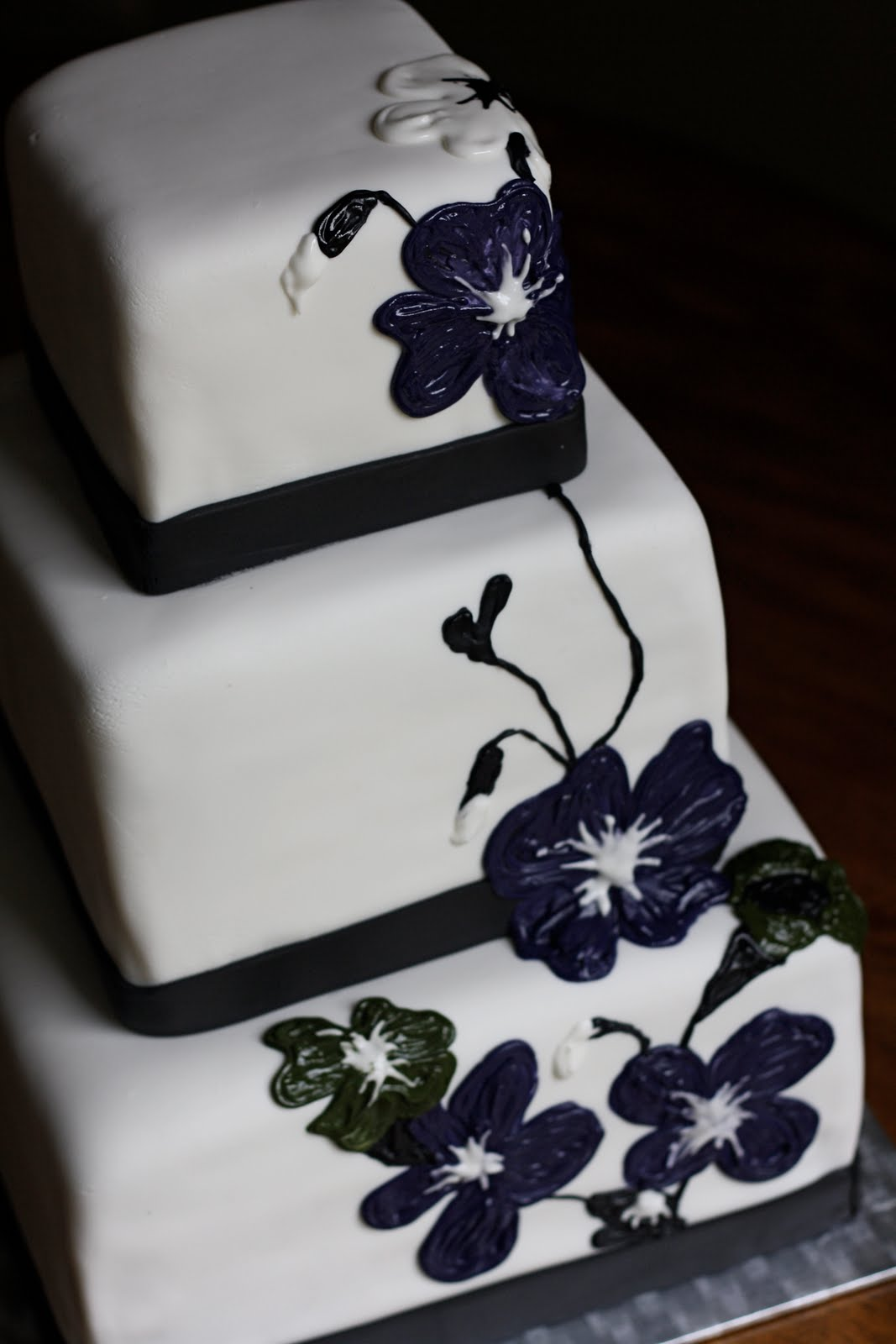 Baker s Cakes Simple Bold and Elegant Wedding Cake