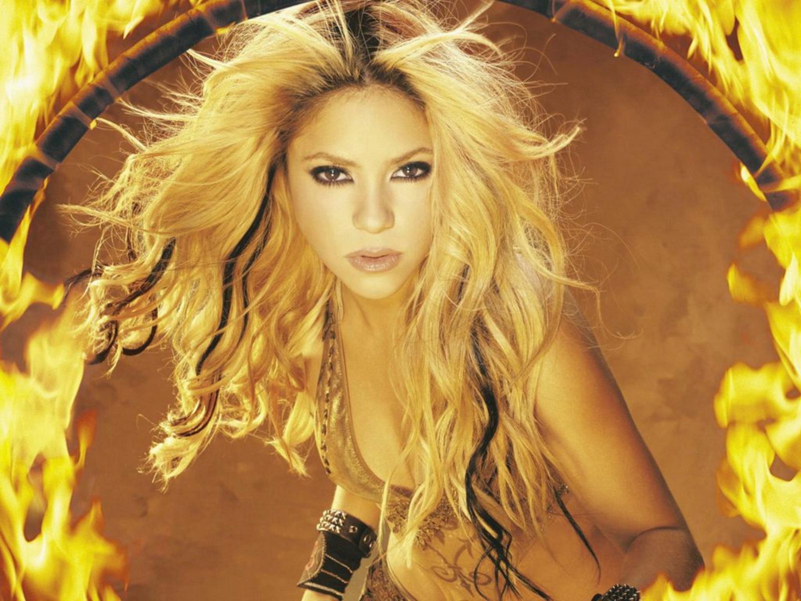 http://1.bp.blogspot.com/_D29sgNDNHRU/TSrjgKwoemI/AAAAAAAAAeg/Fmb4uc3FW8k/s1600/ws_Hot_Shakira_1600x1200wnfun.jpg