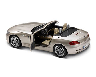 miniature BMW Z4 side view