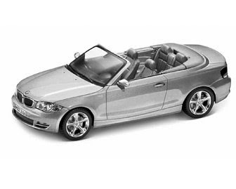 miniature BMW 1 E88 Titanium Silve