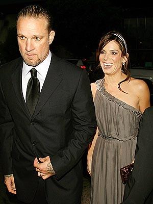 http://1.bp.blogspot.com/_D4TgGwrHpX8/TQ76oeU4v9I/AAAAAAAAACc/6QhwNdyGP9M/s1600/esse+James+-+Sandra+Bullock.jpg
