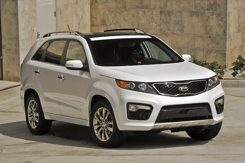 hyundai santa fe kia sorento 2017. Black Bedroom Furniture Sets. Home Design Ideas