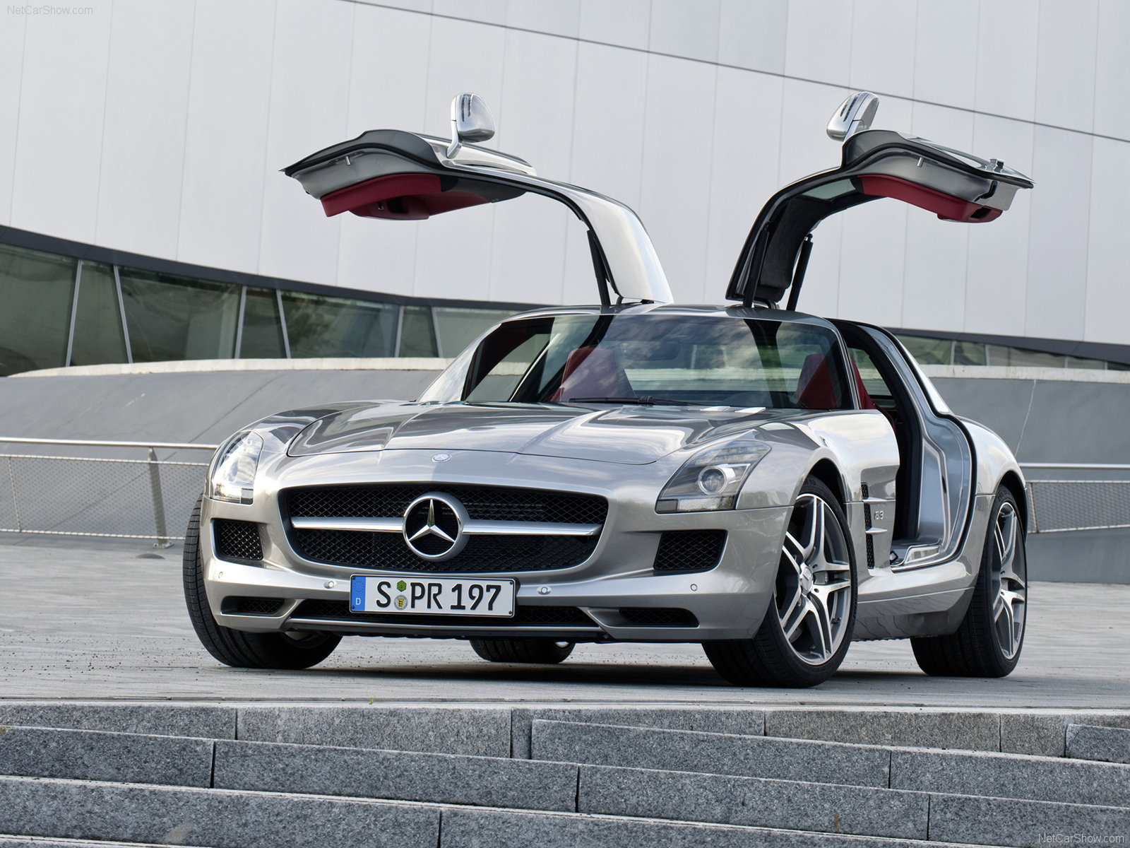 Mercedes Benz Sls Amg Stills And Photogallery 