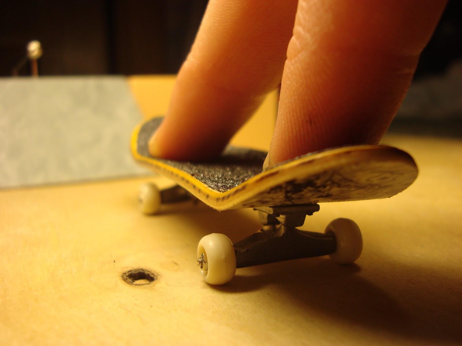 Как сделать пальчиковый скейт своими руками