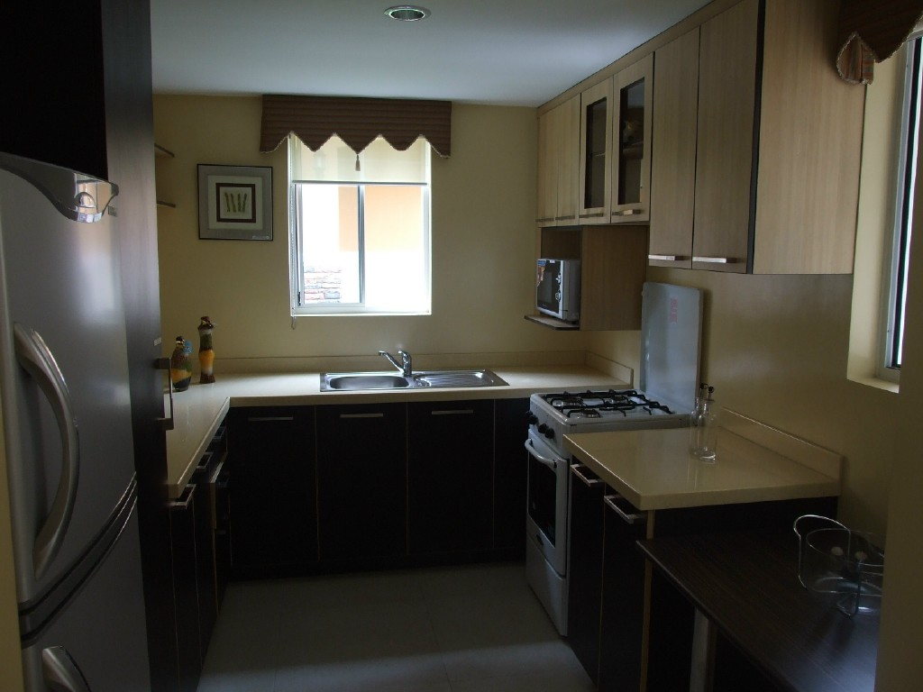 Kitchen Cabinets: Cusm Furniture Shop