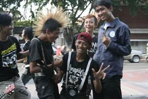 Gambar Anak Punk http://journalistview.blogspot.com/2008_05_01_archive.html