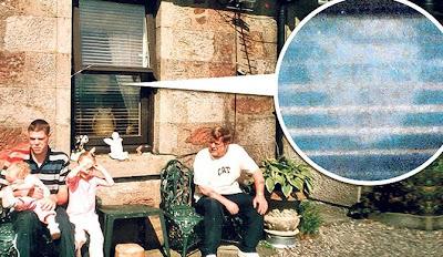 百葉窗 鬼影 兒孫 - 百葉窗上的鬼影 老人與兒孫的生活照