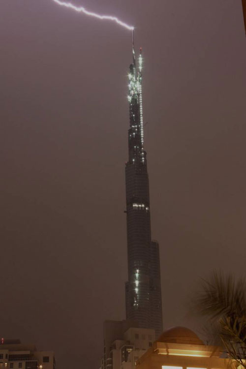 lightning strike Dubai