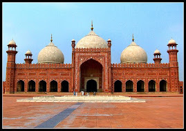 Badshahi masjid