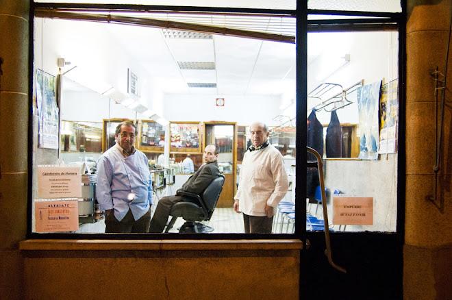 Empurre, se faz favor e seja bem vindo - Barbearia do Mesquita, Cova da Piedade