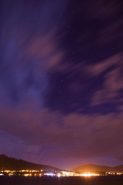 Nuvens e Estrelas na noite de Caminha