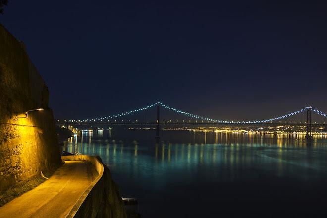 Luzes e reflexos do lado de cá - Ponte 25 de Abril