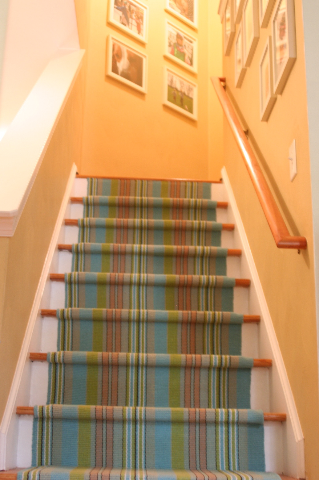 how to install a dash and albert rug as a stair runner. what am i going to be when i grow up how to install a dash and
